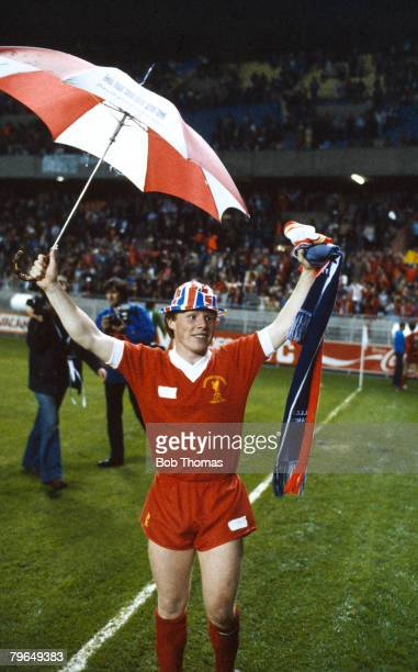 May 1981 European Cup Final in Paris Liverpool 1 v Real Madrid 0 Liverpool's Sammy Lee celebrates the team's victory Sammy Lee won 14 England caps...