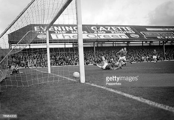 November 1965 Division 1 Blackpool v Manchester United at Bloomfield Road Manchester United goalkeeper Harry Gregg is stranded on the floor as...