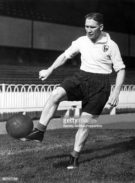 October 1950 Bill Nicholson Tottenham Hotspur who won 1 solitary England international cap against Portugal in 1951 scoring with almost his first...