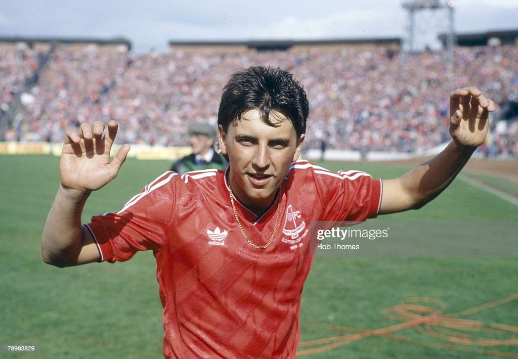 Sport. Football. Scottish FA Cup Final at Hampden Park. pic: 10th May 1986. Hearts 0 v Aberdeen 3. Aberdeen's John Hewitt, who scored 2 goals in the match, celebrates at the end : News Photo