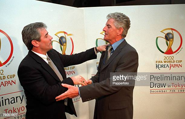 Sport Football Tokyo Japan December 7th FIFA 2000 World Cup Draw England Coach Kevin Keegan and Erich Ribbeck of Germany whose teams meet in group 9
