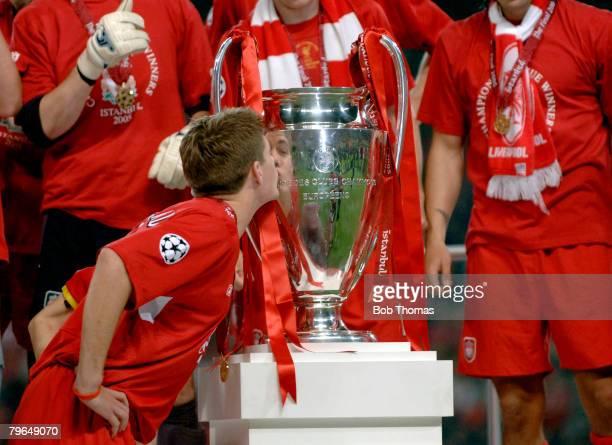 Sport Football UEFA Champions League Final 25th May 2005 Ataturk Stadium Istanbul AC Milan 3 v Liverpool 3 Liverpool captain Steven Gerrard kisses...