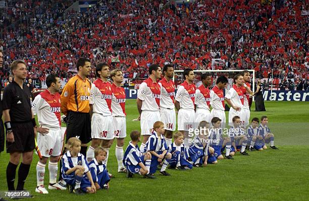 Sport, Football, UEFA Champions League Final, Gelsenkirchen, 26th May 2004, AS Monaco 0 v FC Porto 3, The Monaco team line up at the start of the...