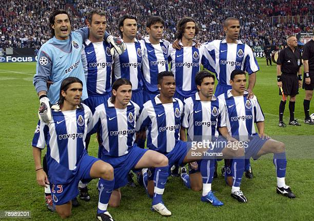 Sport Football UEFA Champions League Final Gelsenkirchen 26th May 2004 AS Monaco 0 v FC Porto 3 Porto team group before the match Players include...