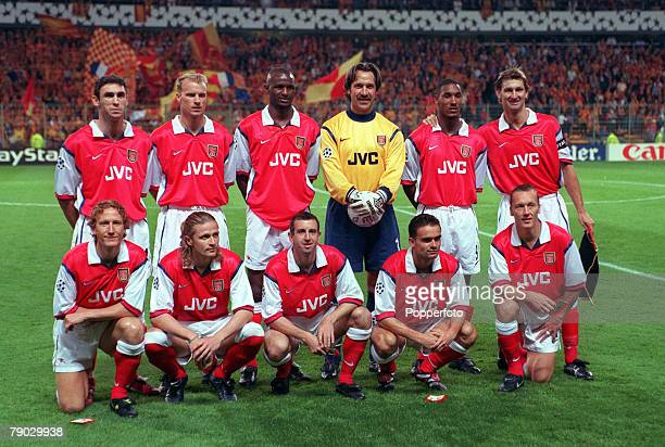 Sport Football UEFA Champions League France 16th September 1998 Lens 1 v Arsenal 1 The Arsenal team line up together for a group photograph Back Row...