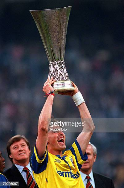 Sport Football UEFA Cup Final Second Leg Turin Italy 17th May 1995 Juventus 1 v Parma 1 Parma's Dino Baggio holds the trophy aloft