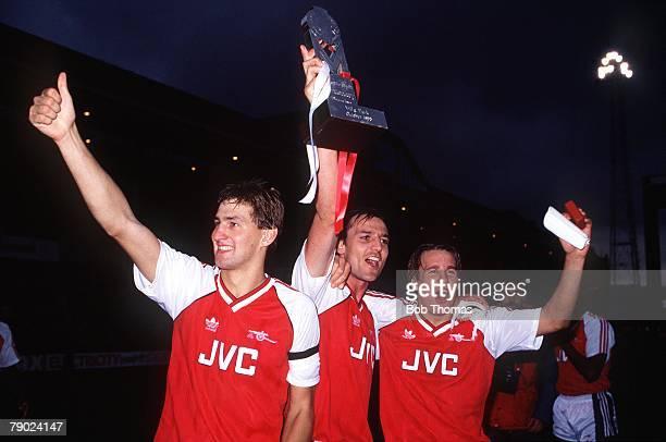 Sport Football Villa Park Birmingham England Mercantile Credit League Centenary Trophy Final 9th October 1988 Arsenal 2 v Manchester United 1 Arsenal...