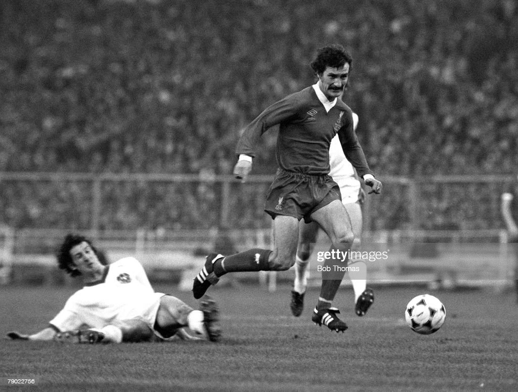 Sport. Football. Wembley, London, England. 10th May 1978. European Cup Final. FC Bruges 0 v Liverpool 1. Liverpool's Terry McDermott races through the Bruges midfield. : News Photo