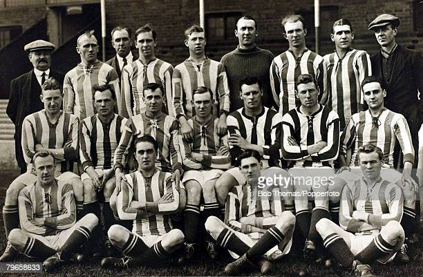 Sport Football West Bromwich Albion circa 1912 Back row lr WBarber JPennington Gopsili Wood Richardson Pearson Read Savage Guest Middle row lr...