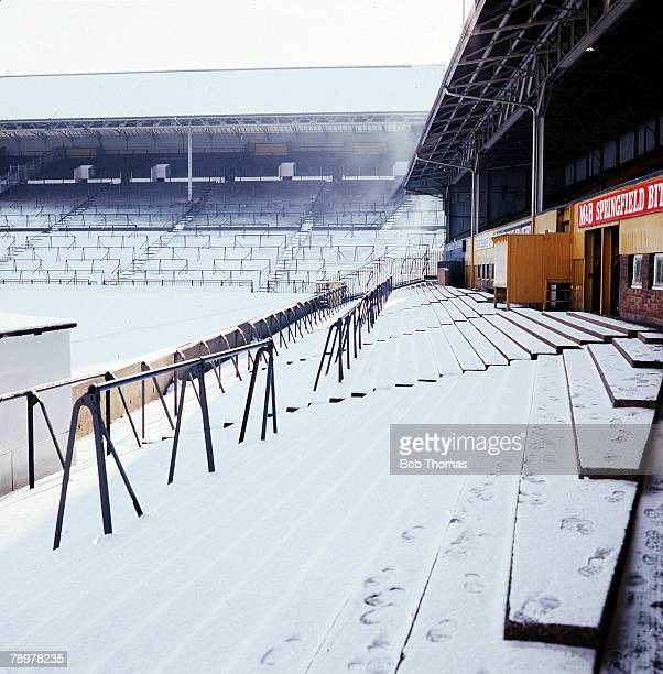 Sport Football Wolverhampton Wanderers Football Club'Molineux' covered in snow circa 1977