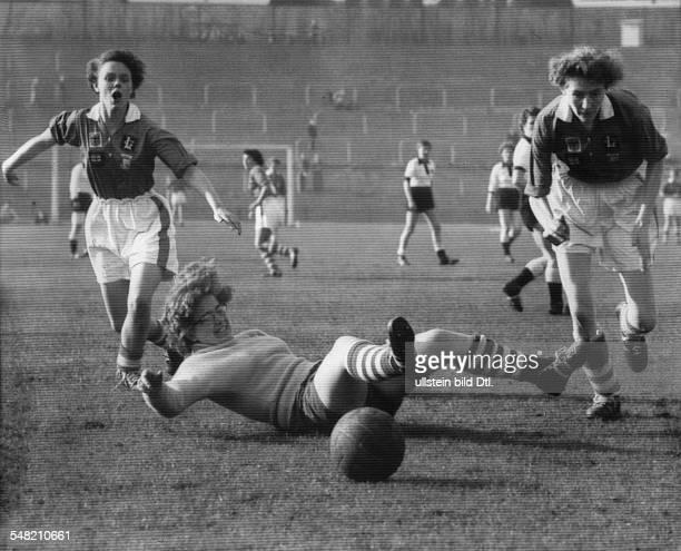 Sport, football, women: Women's european football championship scene from match germany against England in Berlin . Final result 0:4 05.Nov. 1957