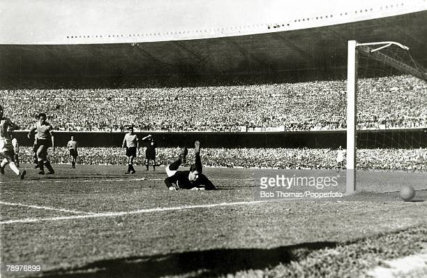 Sport Football World Cup Final 16th July 1950 Maracana Stadium Rio de Janeiro Brazil 1 v Uruguay 2 Uruguayan goalkeeper Roque Maspoli looks back to...