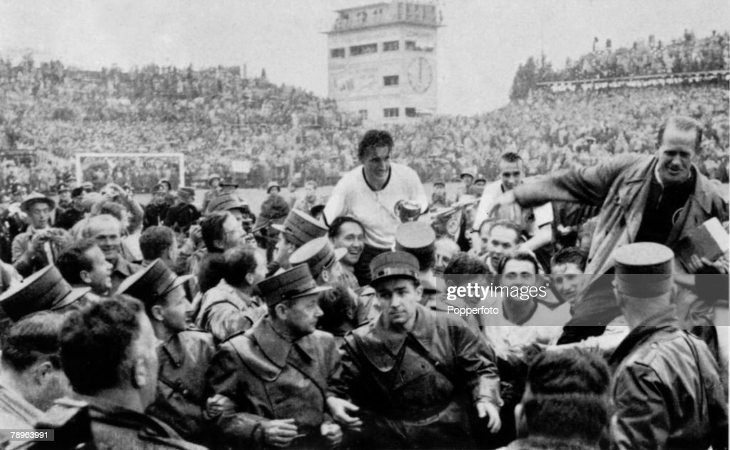 Sport. Football. World Cup Final, 1954. Berne, Switzerland. 4th July, 1954. West Germany 3 v Hungary 2. West German captain Fritz Walter and coach Sepp Herberger are carried aloft after their victory. : News Photo