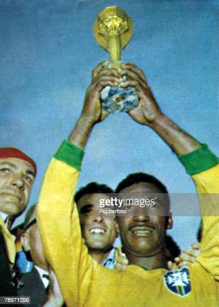 Sport Football World Cup Final Santiago Chile 17th June 1962 Brazil 3 v Czechoslovakia 1 Brazil's Didi holds aloft the Jules Rimet World Cup trophy...