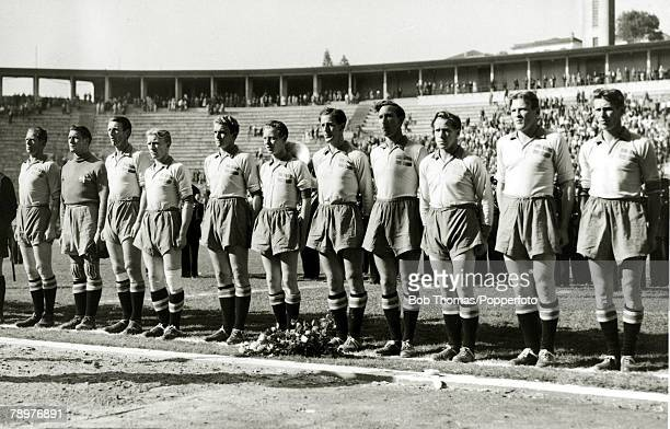 Sport Football World Cup Finals 13th July 1950 Sao Paulo Brazil Uruguay 3 v Sweden 2 The Sweden team lineup before the match Sweden had won the gold...