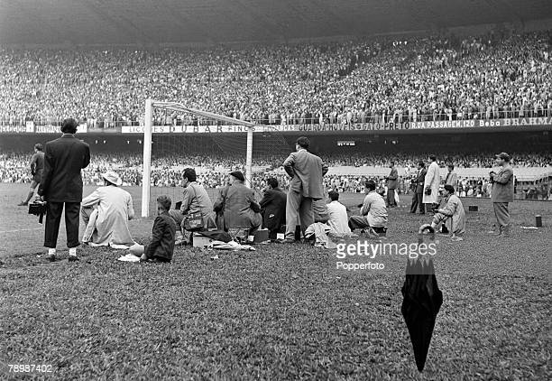Sport Football World Cup Finals 25th June 1950 Rio De Janeiro Brazil England 2 v Chile 0 Reporters and photographers watch the game from behind the...
