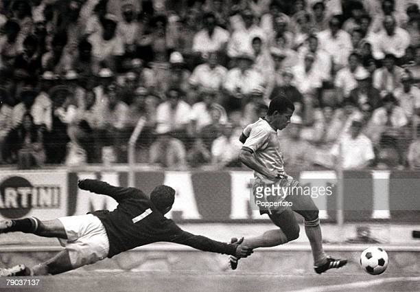 Sport Football World Cup Finals Guadalajara Mexico 14th June 1970 Quarter Final Brazil 4 v Peru 2 Brazil's Jairzinho who scored their fourth goal...