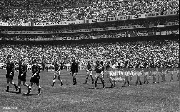 Sport Football World Cup Finals Mexico City Mexico 31st May 1970 Group 1 Mexico 0 v Russia 0 The two teams take to the field at the Aztec Stadium...