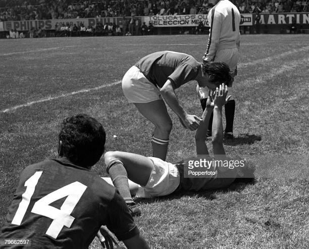 Sport, Football, World Cup Finals, Toluca, Mexico, 14th June 1970, Quarter Final, Italy 4 v Mexico 1, Italy's Roberto Boninsegna screams his delight...