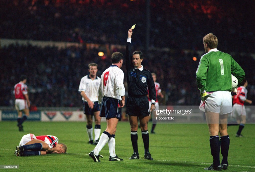 Sport, Football, World Cup Qualifier, Wembley, 14th October 1992, England 1 v Norway 1, England's Paul Gascoigne gets the yellow card from the referee