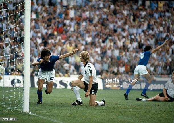 Sport, Football,1982 World Cup Final, Madrid, Spain, 11th July Italy 3 v West Germany 1, Italy's Paolo Rossi turns away to celebrate after scoring...