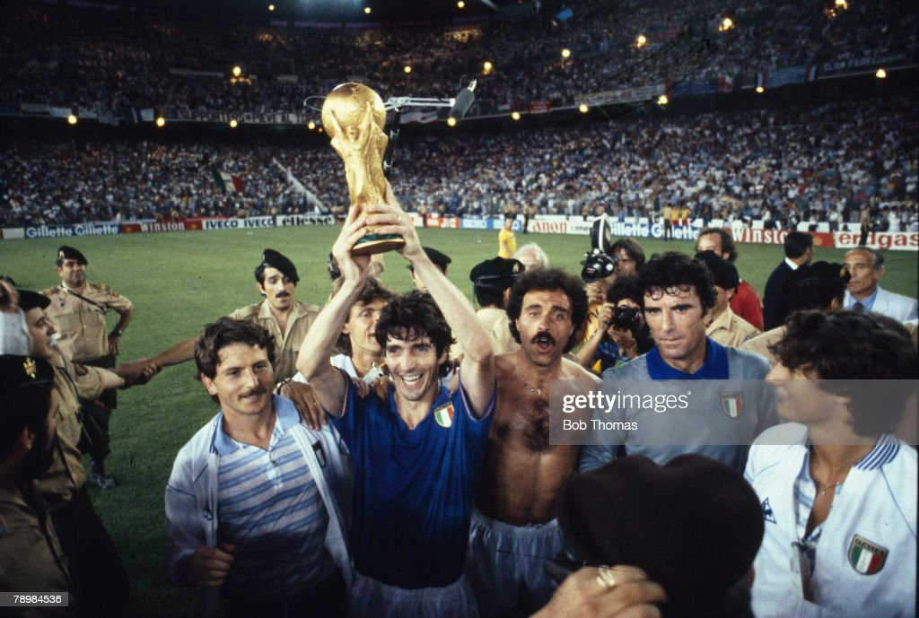 BT Sport. Fottball.1982 World Cup Final. Madrid, Spain. 11th July, 1982. Italy 3 v West Germany 1. Italy's Paolo Rossi holds aloft the World Cup trophy on their lap of honour.. : News Photo