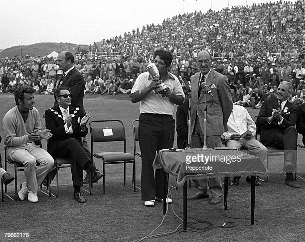 Sport Golf British Open Championship Southport Lancashire England 11th July 1971 USA's Lee Trevino kisses the Claret Jug trophy after winning the...