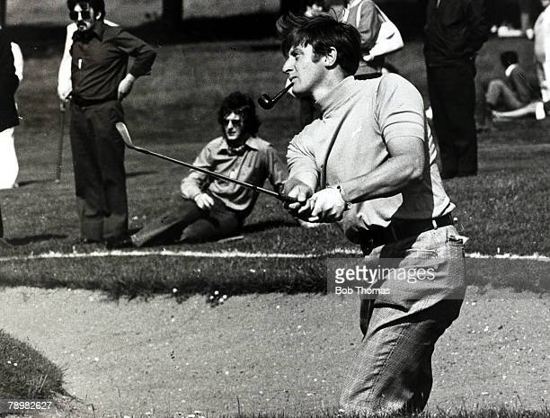 circa 1970's Brian Barnes pipe in mouth playing from a bunker Brian Barnes born 1945 British golfer who was one of the top British golfers of the...
