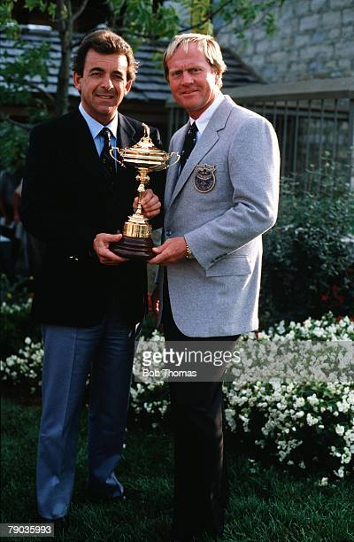 Sport Golf The Ryder Cup Muirfield Village Ohio 25th27th September 1987 USA 13 v Great Britain and Europe 15 Rival captains Tony Jacklin of Great...