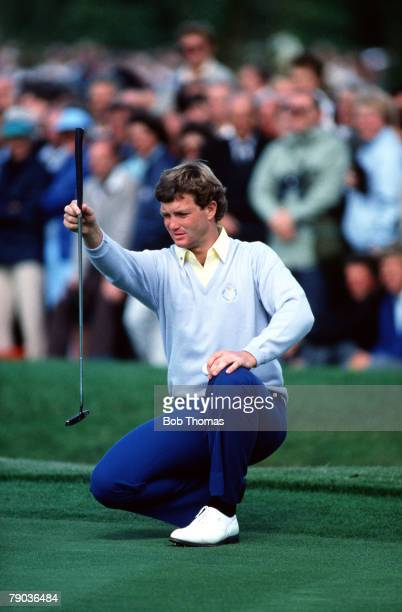 Sport, Golf, The Ryder Cup, The Belfry, England, 13th-15th September 1985, Great Britain and Europe 16 1/2 v USA 11 1/2, USA's Peter Jacobsen lines...