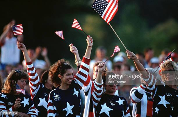 Sport, Golf, The Ryder Cup, The Belfry, England, 22nd-24th September 1989, Great Britain and Europe 14 v USA 14, The wives of the USA players cheer...