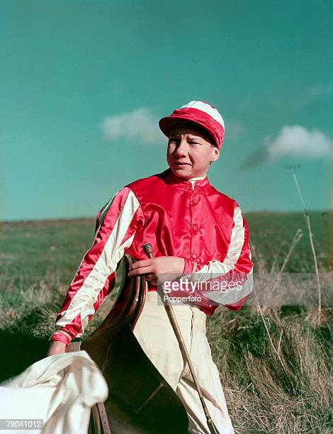 1951 Young British jockey Lester Piggott who rode his first winner on the flat in 1948 at the age of 12 He was champion jockey 11 times19601982 Derby...