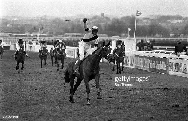 Sport Horse Racing The Grand National Aintree Liverpool England 5th April 1986 The horse West Tip ridden by jockey Richard Dunwoody wins the race