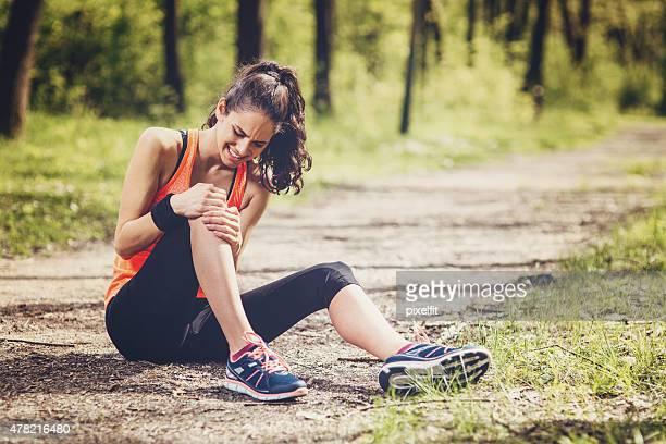 sport injury - pain stock pictures, royalty-free photos & images