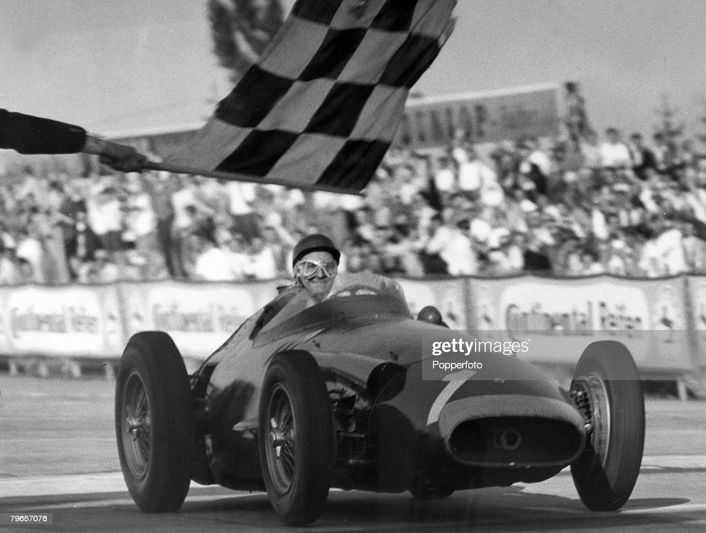 Sport, Motor Racing, Formula One, pic: 6th August 1957, German Grand Prix at the Nurbuergring, Argentinian driver Juan Manuel Fangio, pictured winning the race, which gave him an unbeatable lead in the world Championship, Juan Fangio won the world champio : News Photo