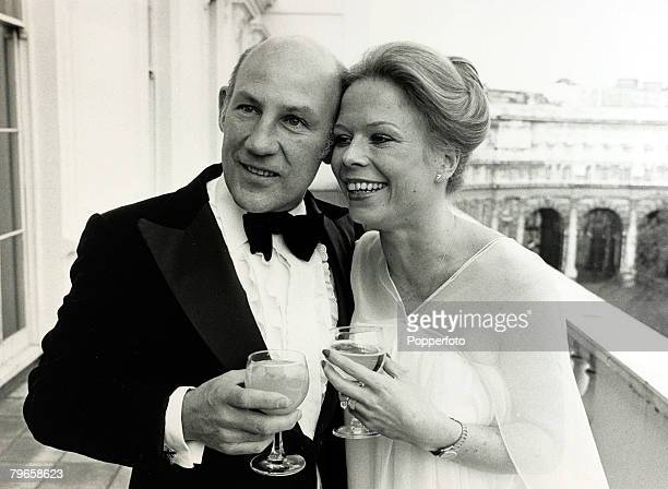 Sport, Motor Racing, pic: 17th April 1980, Fifty year old former racing driver Stirling Moss pictured with his 27 year old bride Susie after their...