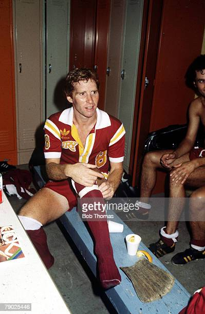 Sport, NASL, American Soccer, 1980's, Alan Ball the Philadelphia Fury player and manager sits on a bench in the changing room