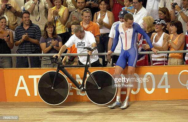 Sport, Olympic Games, Athens, Greece, 21st August 2004, Cycling, Mens Individual Pursuit Final, Gold medal winner Bradley Wiggins of Great Britain...