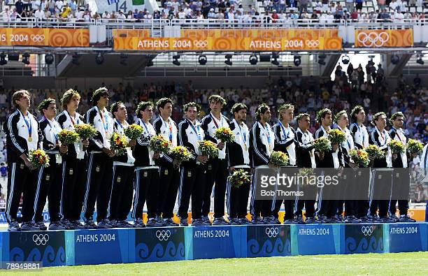 Sport Olympic Games Athens Greece 28th August 2004 Mens Football Final Argentina 1 v Paraguay 0 The Argentina team receive their Gold medals