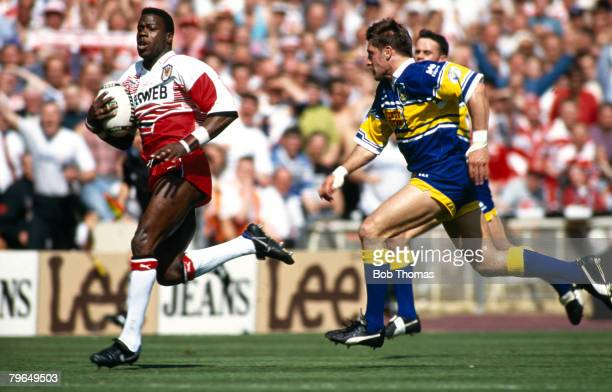 30th April 1994 Silk Cut Cup Final at Wembley Leeds 16 v Wigan 26 Wigan's Martin Offiah races away with the ball on a length of the pitch run to...