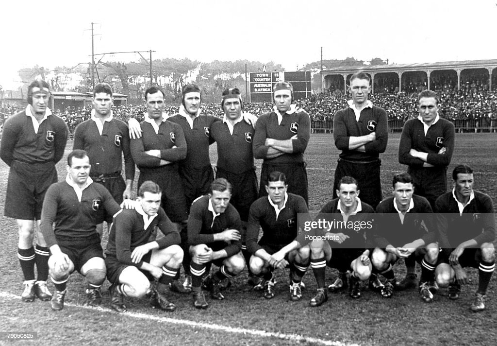 Sport. Rugby Union. 8th July 1933, Newlands, Cape Town. South Africa 17 v Australia 3. A group picture of the South Africa team, back row (left-right); Bergh, Fanie Louw, Kipling, Alton, Geere, Nel, Froneman, Brand. Front row (left-right) Boy Louw, Craven : News Photo