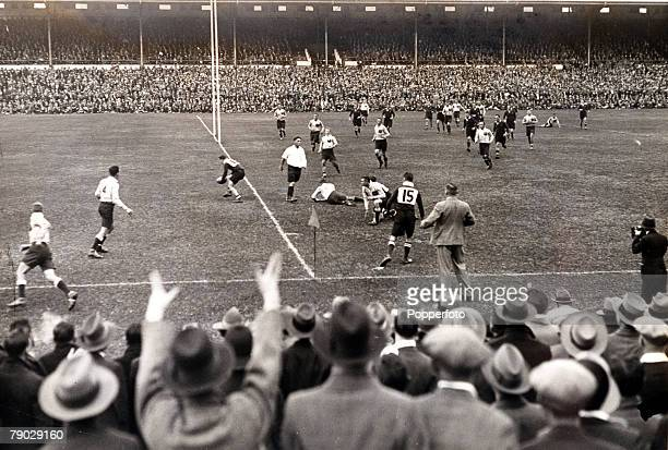 Sport Rugby Union International Newlands Cape Town 8th July 1933 South Africa 17 v Australia 3 South Africa's Danie Craven scores a try