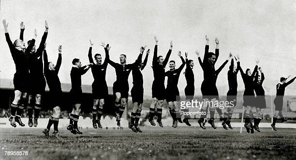 """Sport, Rugby Union, pic: 1934, The New Zealand Rugby Union team perform the """"Haka"""" before a practice match on their tour of Great Britain"""
