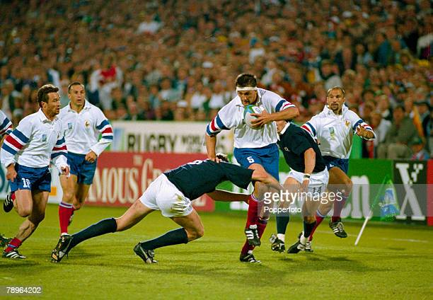 Sport, Rugby Union, pic: 1995, Rugby Union World Cup in South Africa, Scotland v France in Pretoria, France lock Olivier Roumat races away with the...