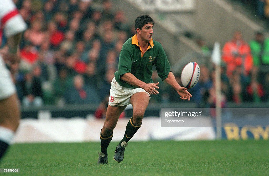 Sport. Rugby Union. pic: 29th November1997. Rugby Union International at Twickenham. England 11 v South Africa 29. Henry Honiball, South Africa. : News Photo