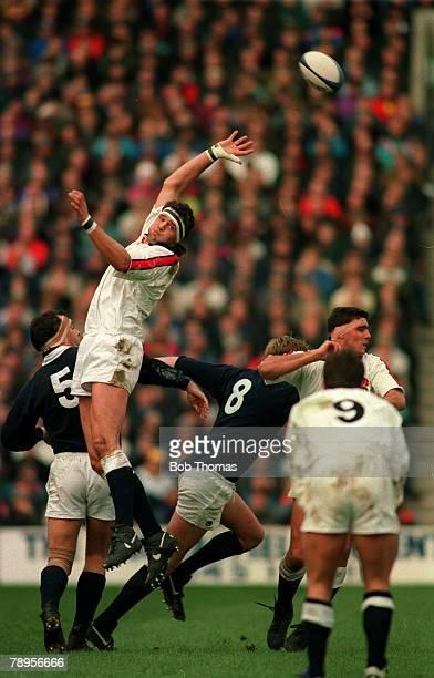 Sport, Rugby Union, pic: 5th February 1994, Rugby Union International, Murrayfield, Scotland 14 v England 15, England lock Martin Bayfield leaps high...