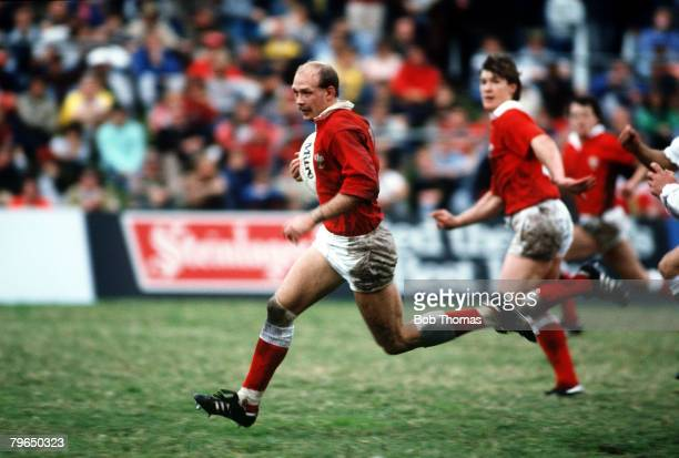 Sport, Rugby Union, pic: 8th June 1987, Rugby Union World Cup Quarter Final in Brisbane, Wales v England Richie Collins, Wales