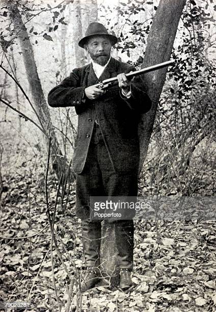 Sport, Shooting, 1900 Olympic Games, Paris, France, Live Pigeon Shooting, Leon de Lunden, Belgium, winner of the event, the only time in Olympic...
