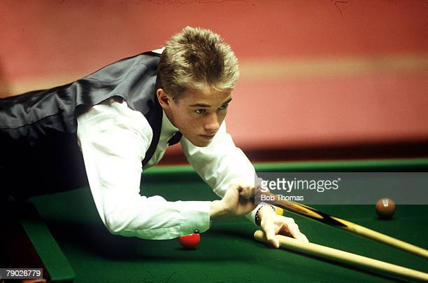 Sport Snooker World Championships The Crucible Sheffield England Scotland's Stephen Hendry plays a shot with the rest