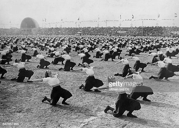 Sport Spare time Women doing exercises at the twelfth German Gymnastics Festival in Leipzig 1913 Photographer Sennecke Vintage property of ullstein...